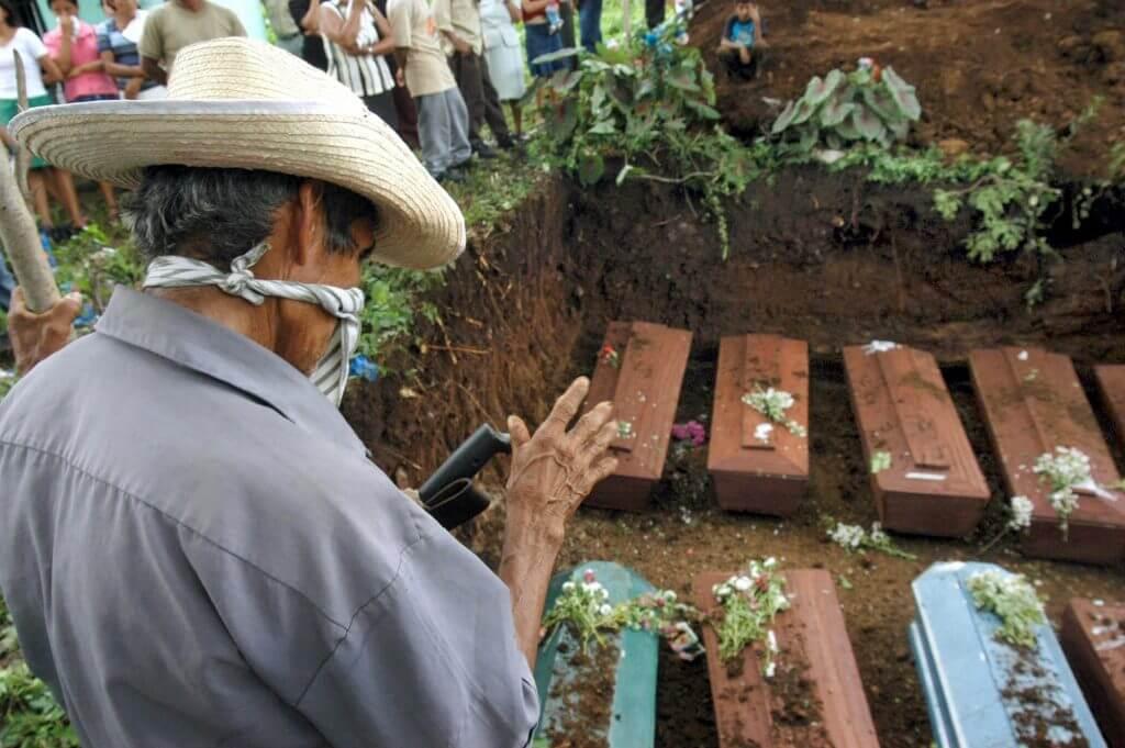 El Salvador al borde del colapso sanitario debido a intereses no humanitarios