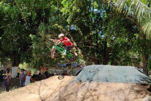 BMX: La primera competencia de Dirt Jump en El Salvador